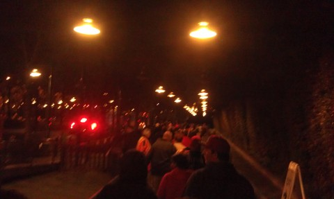 Having WDW flashbacks waiting in a line for a bus.